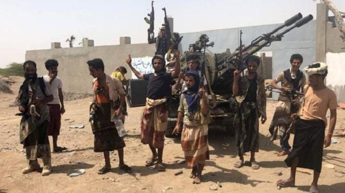 Yemen forces 'storm Hudaydah airport'