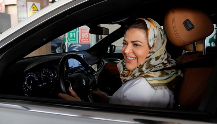 Celebrations, tears as Saudi Arabia overturns ban on women driving
