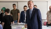 Erdogan leads in early results of Turkey election