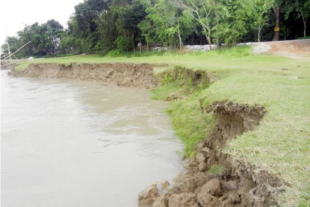 River erosion takes serious turn in Faridpur