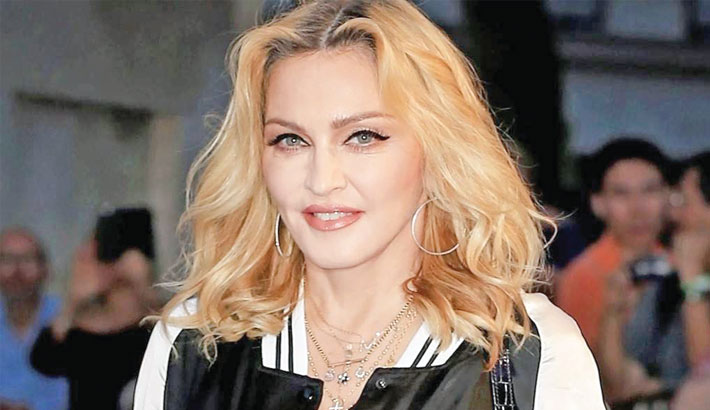 Madonna's love letter to female model up for auction