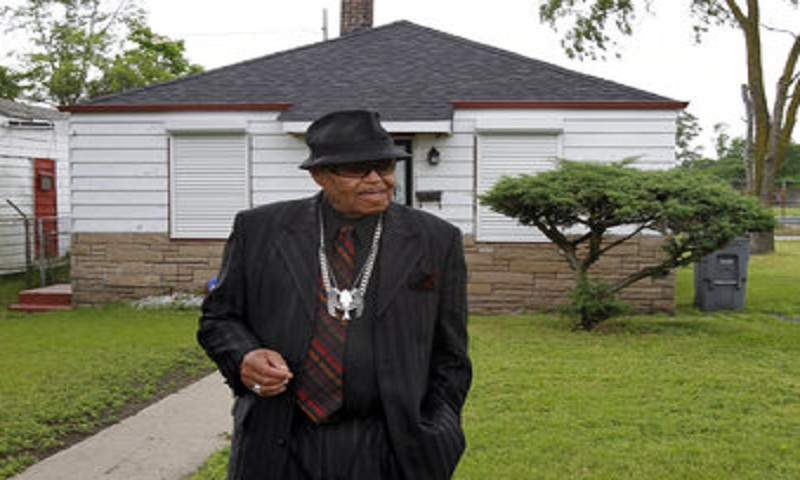 Jackson family thanks fans for support as patriarch grieved