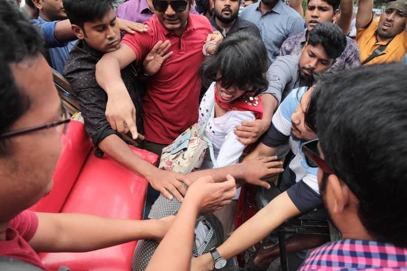 'Bangladesh Chhatra League men' assault quota reformists again