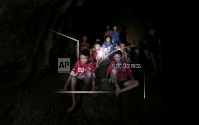 Forecast of heavy rain could complicate Thai cave rescue