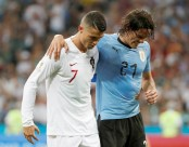 Uruguay's Cavani unlikely to face France in quarter-final