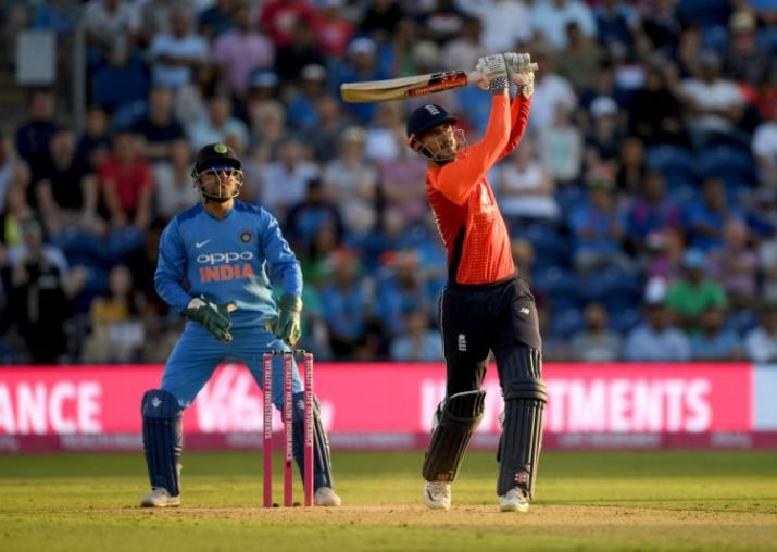 Hales steers England to thrilling T20 win vs India