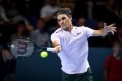 Roger Federer beats Adrian Mannarino to reach Wimbledon quarter-finals