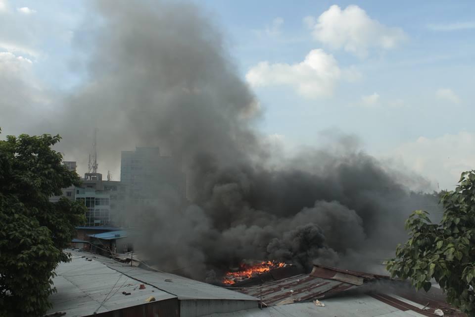 Karwan Bazar's Hasina Market catches fire