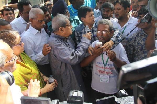 Non-MPO teachers withdraw hunger strike