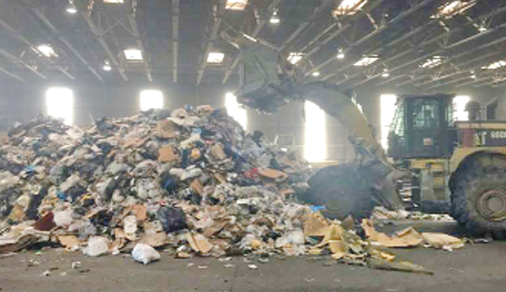 Trash piles up in US as China closes door to recycling