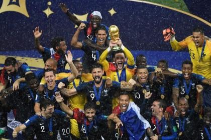 France win World Cup beating Croatia 4-2