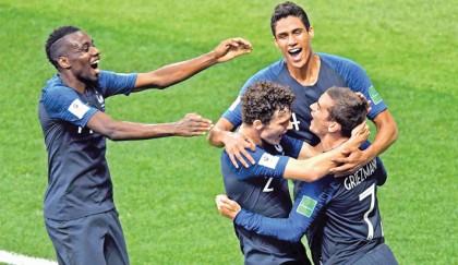 France leading 2-1