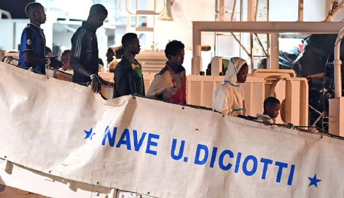 450 migrants land in Italy, five EU states to take 50 each