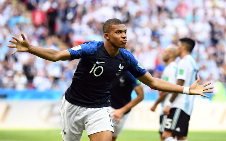 France prodigy Mbappe is an alien:  Varane