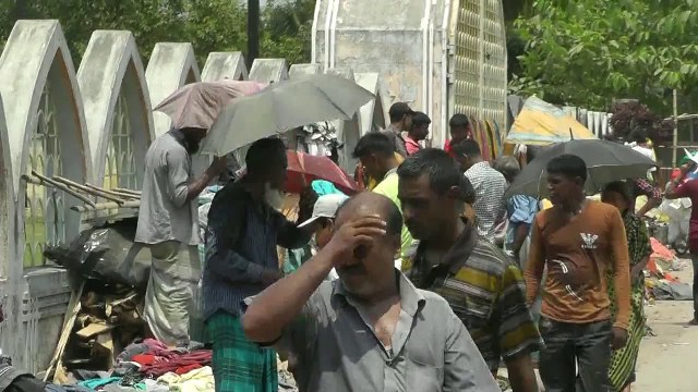 People suffer amid scorching heat; rain expected