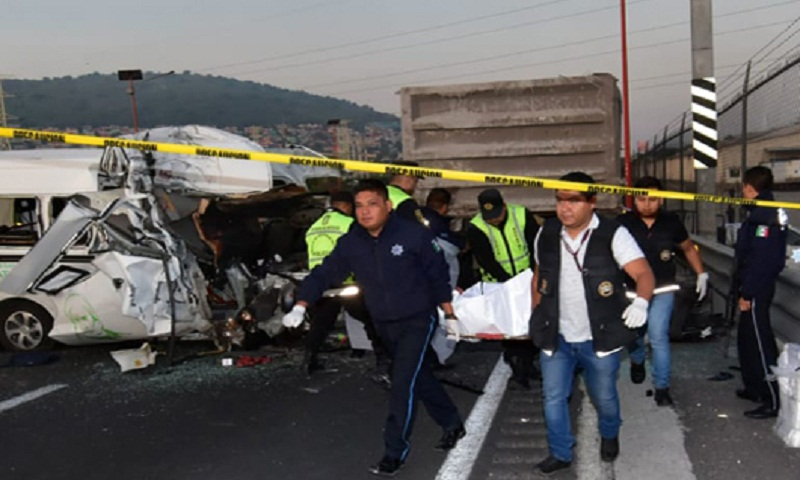 At least 13 dead in Mexico highway accident