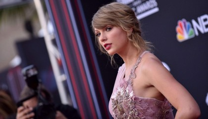 Taylor Swift in all-star film version of 'Cats': reports