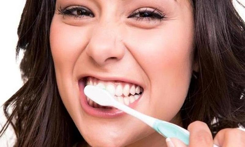 10 tips to maintain healthy teeth and keep cavities at bay