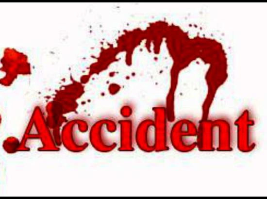 Road crash kills 2  in Brahmanbaria