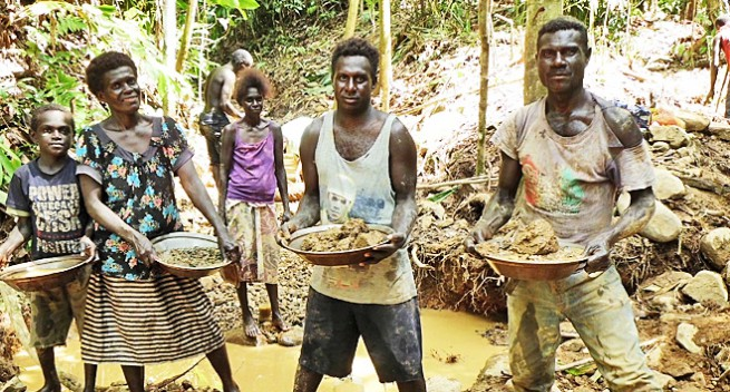 Gold rush in Guinea triggers bloodshed