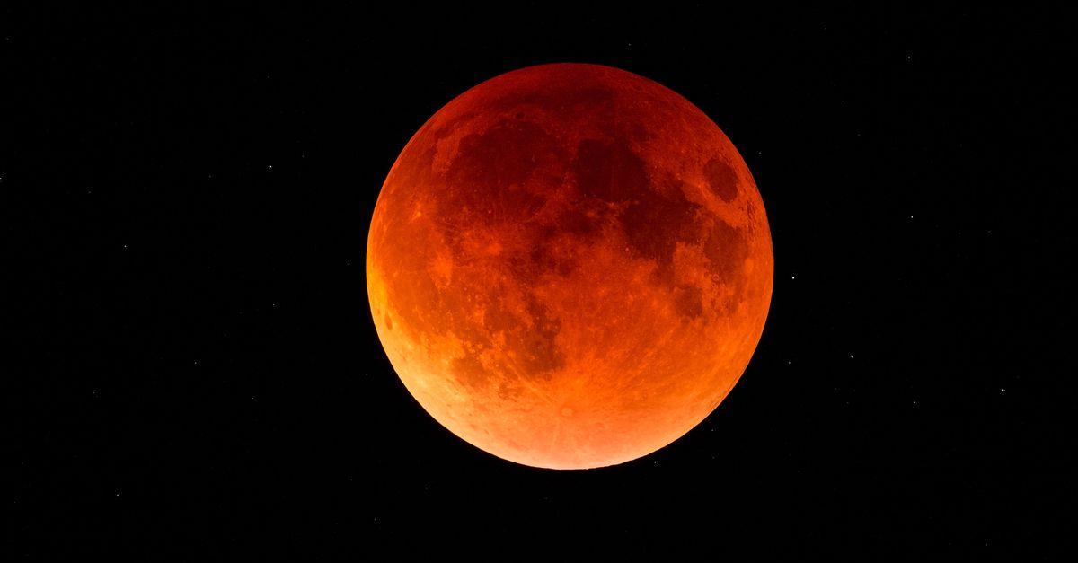 Total lunar eclipse on Friday