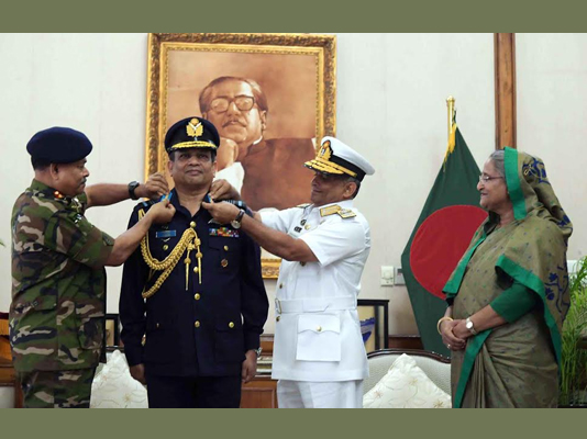 Air Chief adorned with Air Chief Marshal rank badge