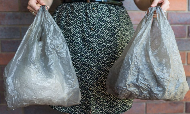 Australian chain sets 3rd deadline to end free plastic bags