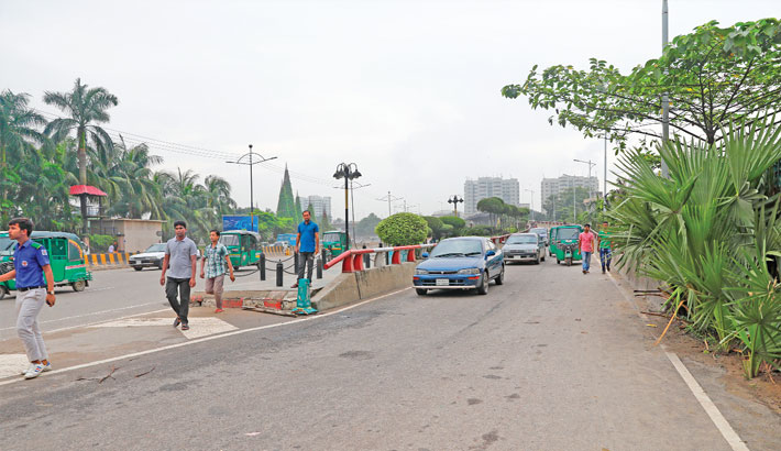 Faulty flyover design causes accidents