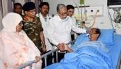President visits ailing Dainik Samakal Editor at hospital