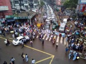 Students regulating traffic as protests roll into 7th day