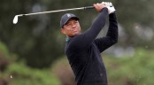 Tiger Woods takes ice bath, prepares for final major of year