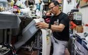 The odd-job volunteers 'fixing' Hong Kong politics