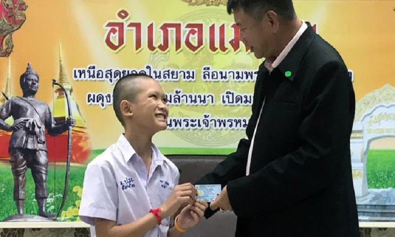 Thai cave rescue: Coach and boys given citizenship