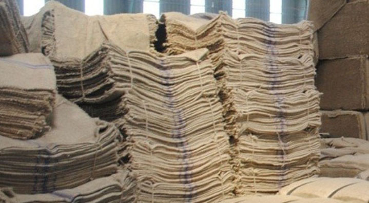 Feed industry decries decision of mandatory jute packaging