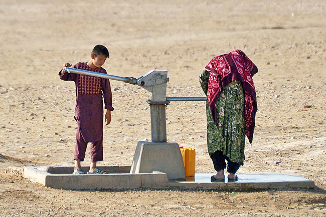 Farmers in war-torn Afghanistan hit by worst drought in decades