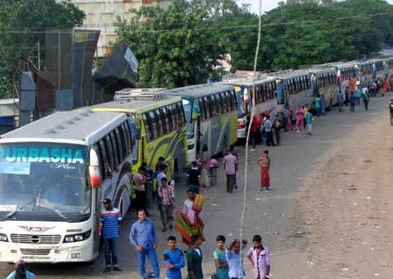 22-kilometre gridlock on Dhaka-Chittagong highway