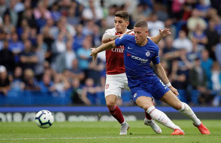 Chelsea hit back as Alonso sinks Arsenal