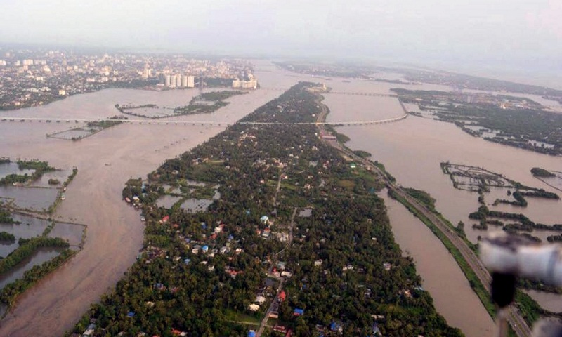 Kerala floods: Death toll climbs to 370; rescue operations continue