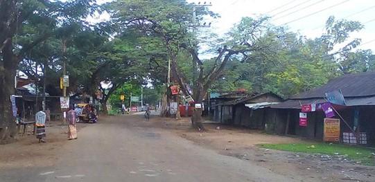 Road blockade underway in Khagrachhari protesting gun attacks