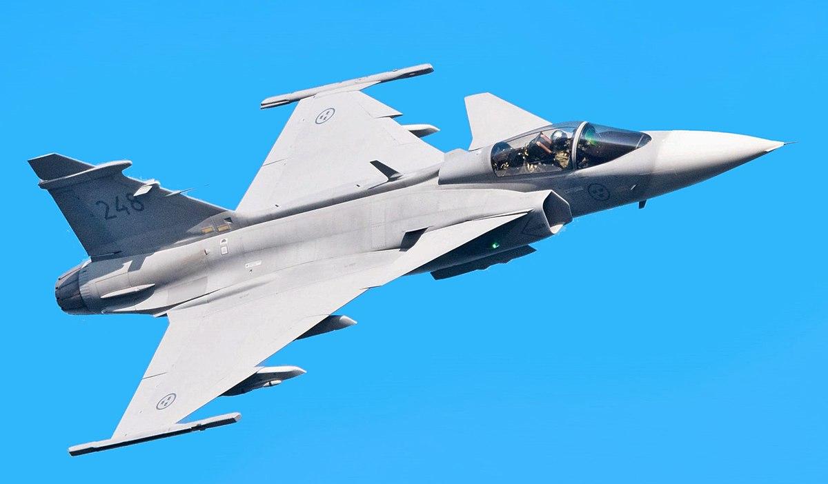 Swedish Air Force JAS 39 fighter jet crashes, pilot safe