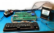 Functioning Apple computer built in 1970s up for auction