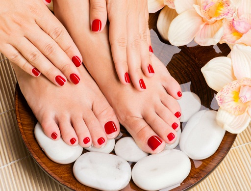 7 tips to take care of your feet this monsoon