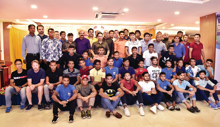 Bashundhara Kings, BSPA accord reception to football stars of '03 and '18