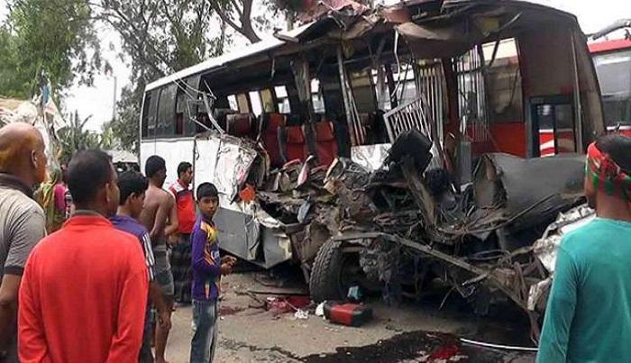 Six killed in Gaibandha road crash