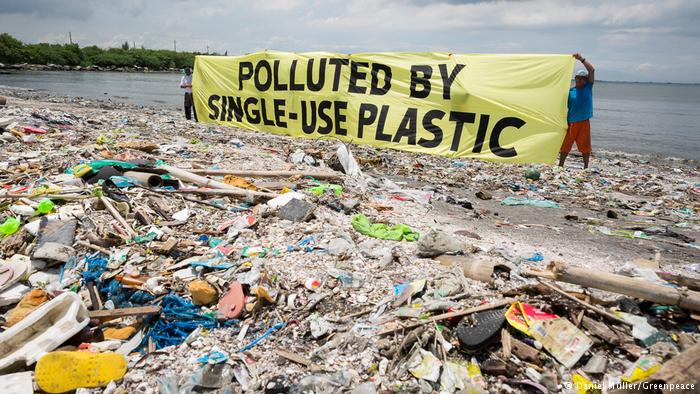 Pope urges clean up of plastic waste from oceans