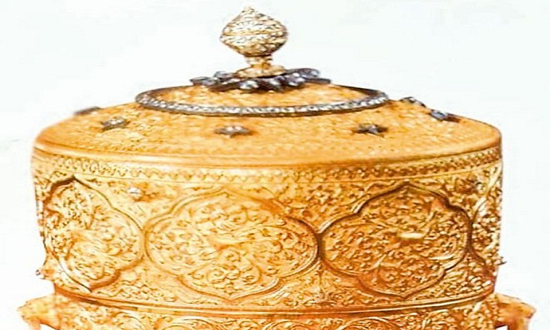 Indian police seek last Nizam's stolen gold lunchbox