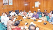 Information Minister Hasanul Haq Inu exchanges views
