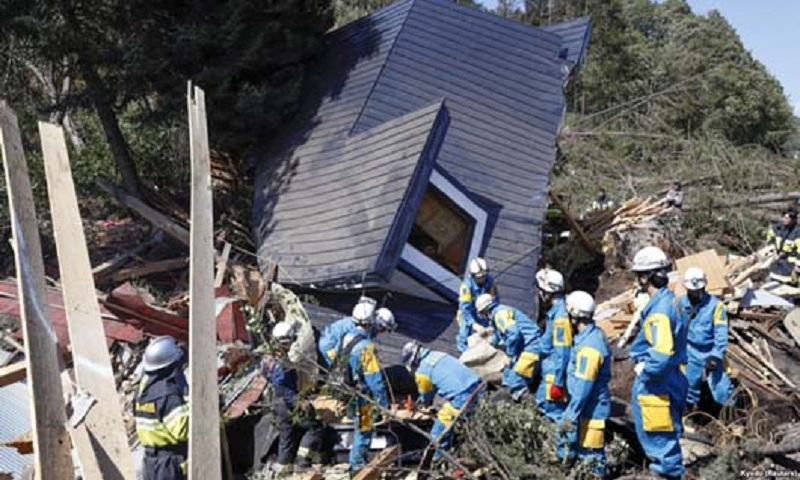 Japan toll rises to 30 after powerful quake