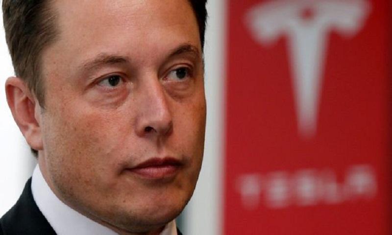 Tesla shares sink after key executives exit