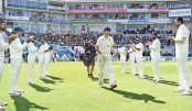 Cook given guard of honour to mark final Test